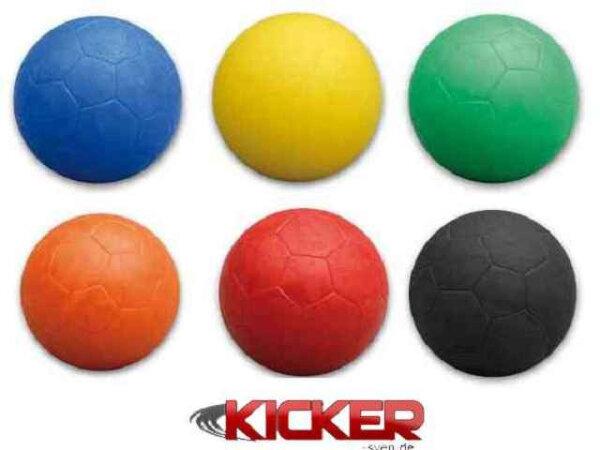 kickerball_mit_fussballmuster