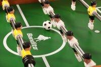 tischkicker profi soccer deluxe holzoptik das spielfeld